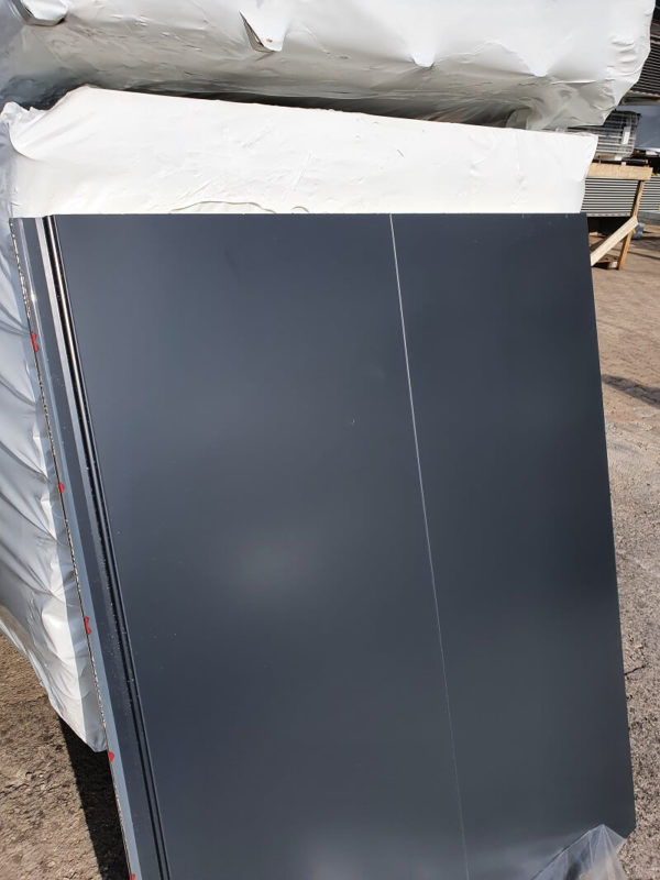 pannello-coibentato-elite-500-grigio-antracite-ral-7016-fissaggio-nascosto